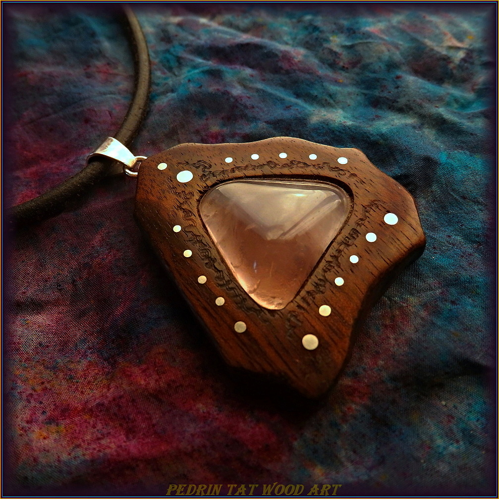 Wooden necklace NH-486 ROSE GUARTZ - WALNUT