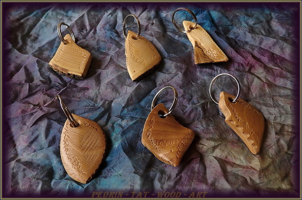 KEY RING - ASH wood - mix 3.
