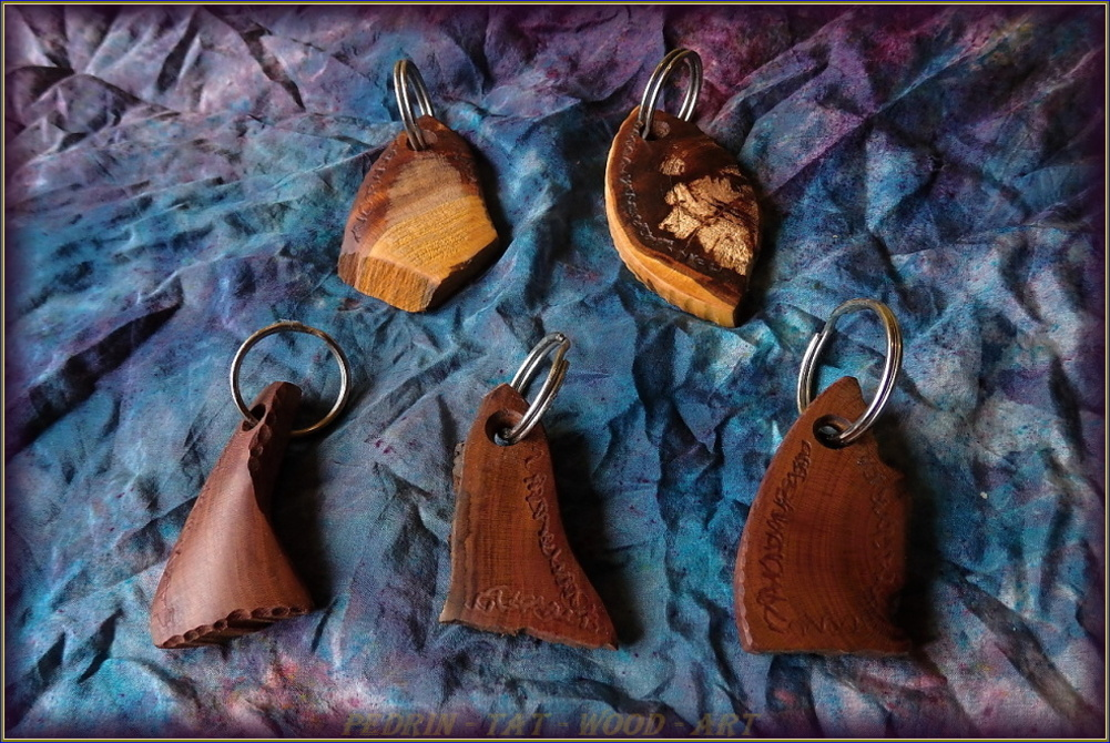 KEY RING - PEAR and PRUNUS wood - mix 2.