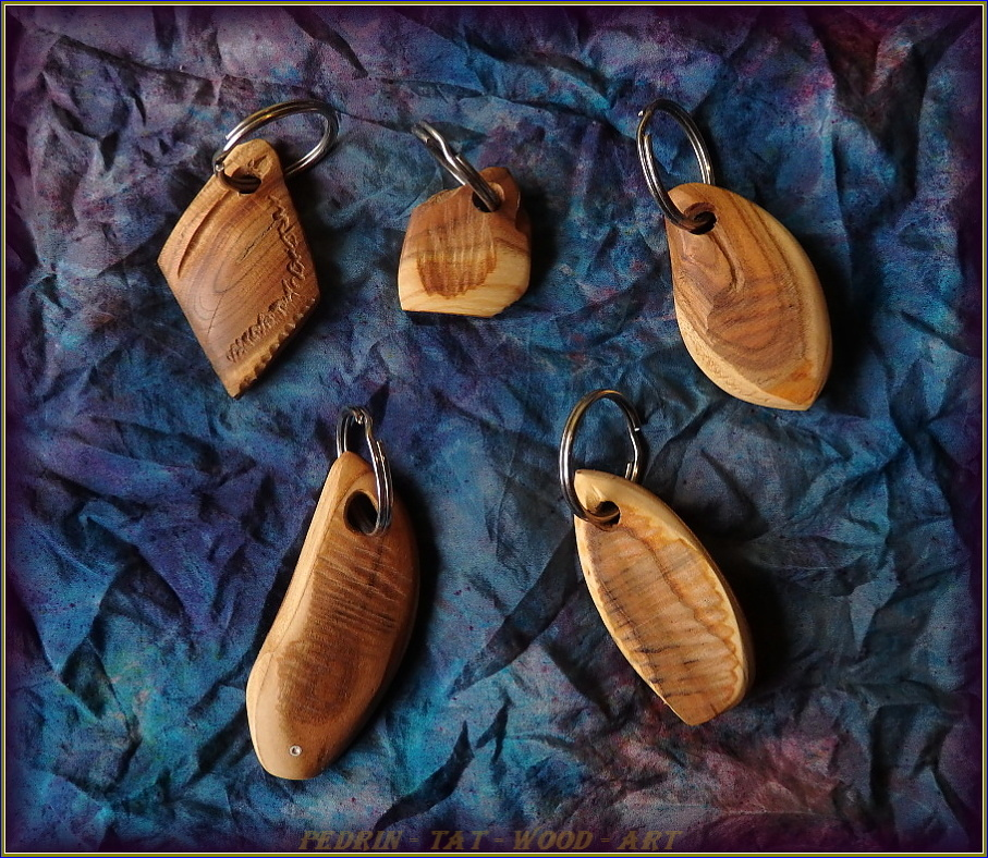 KEY RING - APRICOT wood - mix 6.