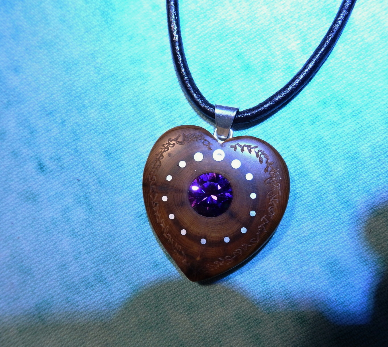 Wooden necklace NH-456 HEART - JUNIPER - ZIRCON