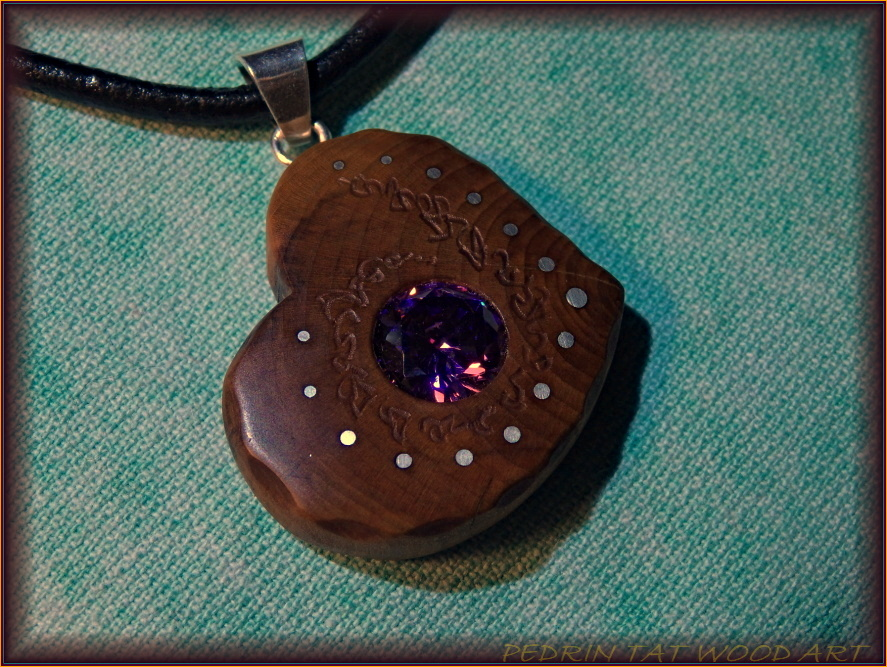 Wooden necklace NH-465 HEART - PEAR wood - ZIRCON