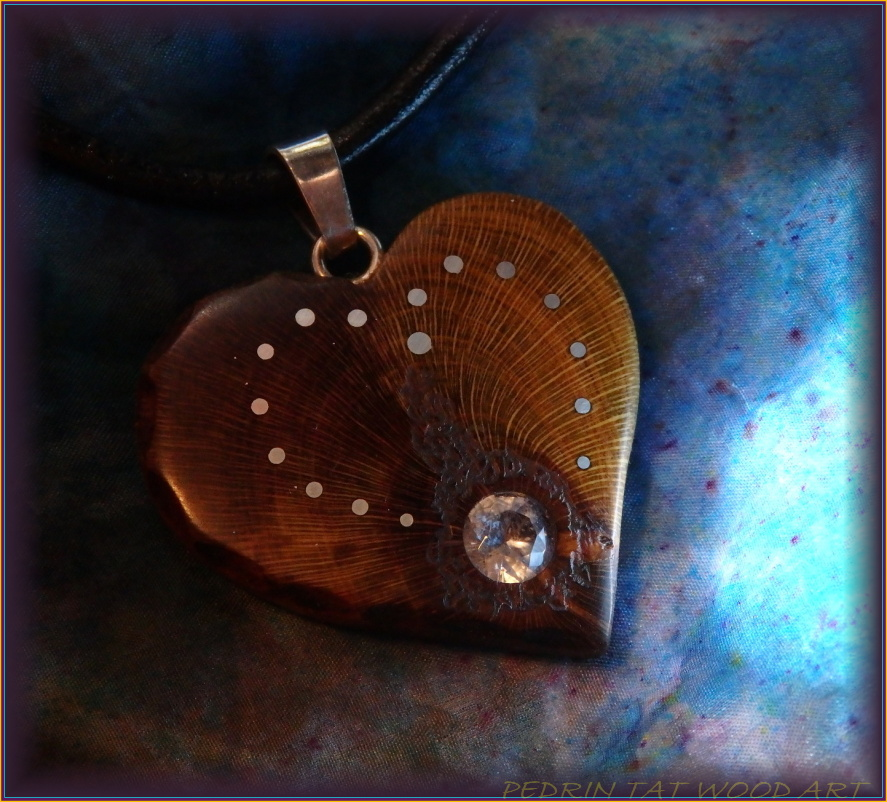 Wooden necklace NH-463 HEART - PRUNUS - ZIRCON