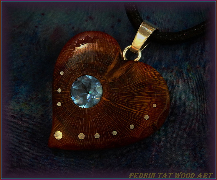 Wooden necklace NH-469 HEART - PRUNUS root - AQUAMARINE