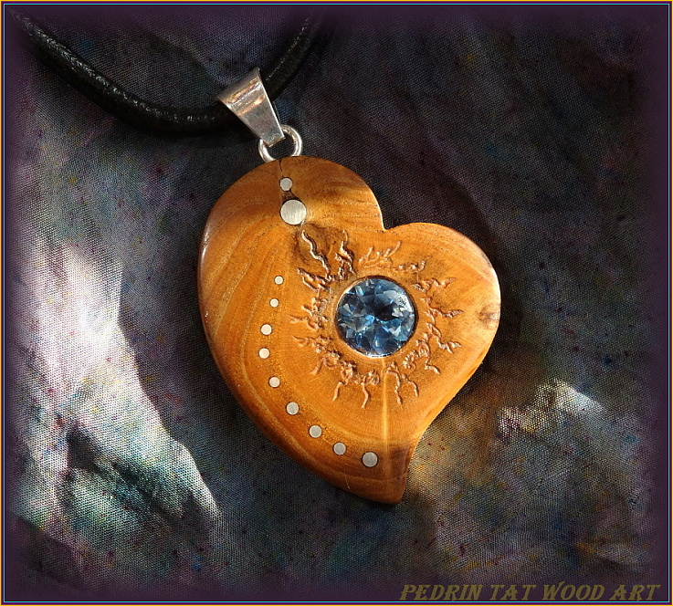 Wooden necklace NH-473 HEART - SEABUCKTHORN - Aquamarine