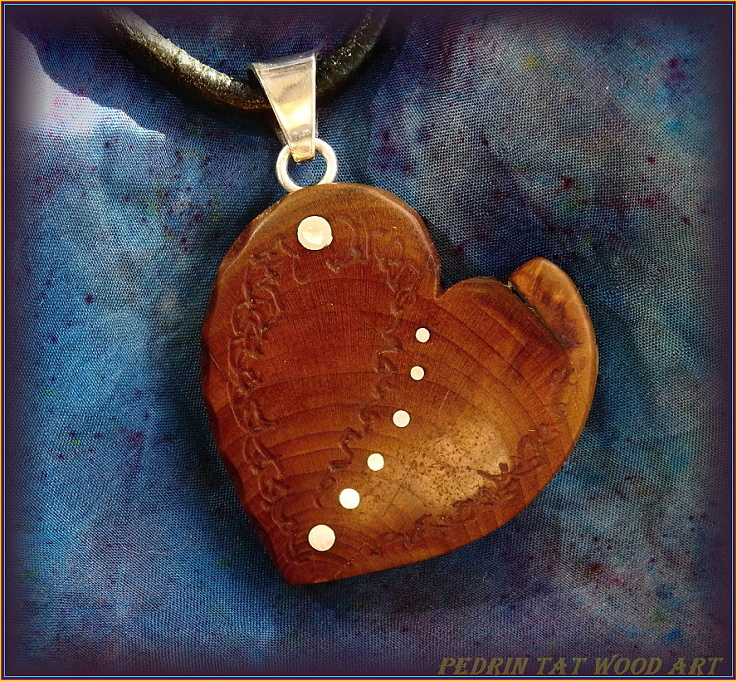 Wooden necklace NH-478 HEART - PEAR Wood