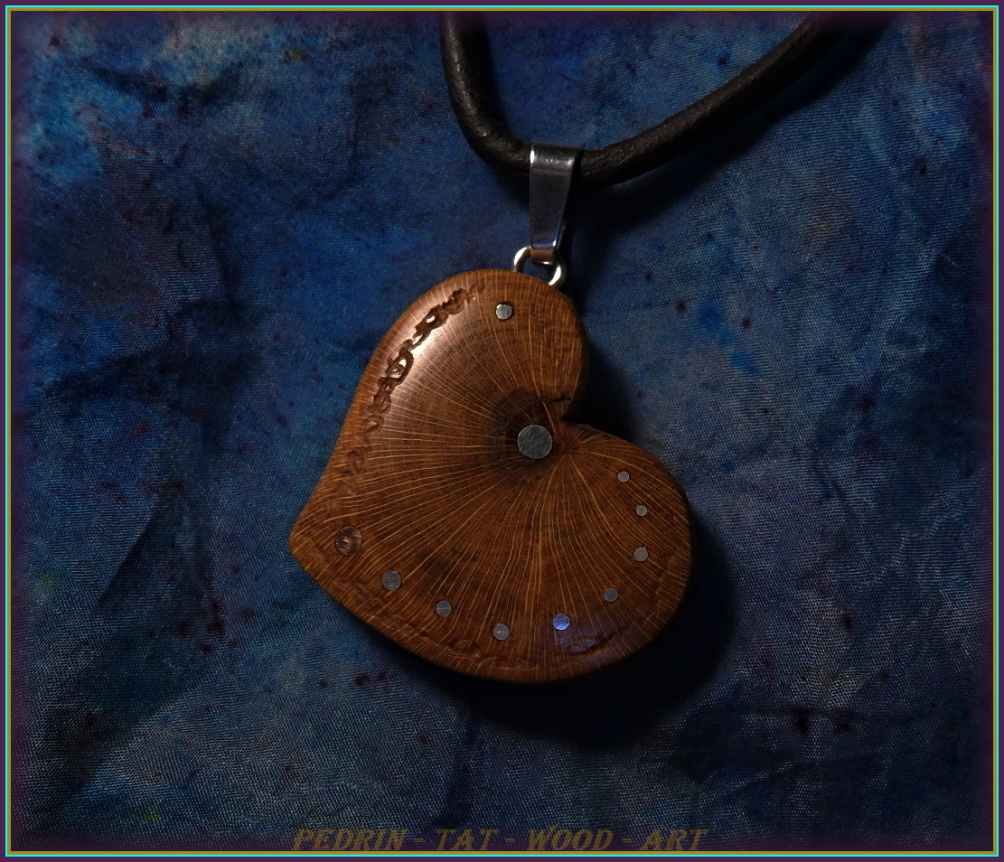 WOODEN NECKLACE NH-509 PRUNUS Heart